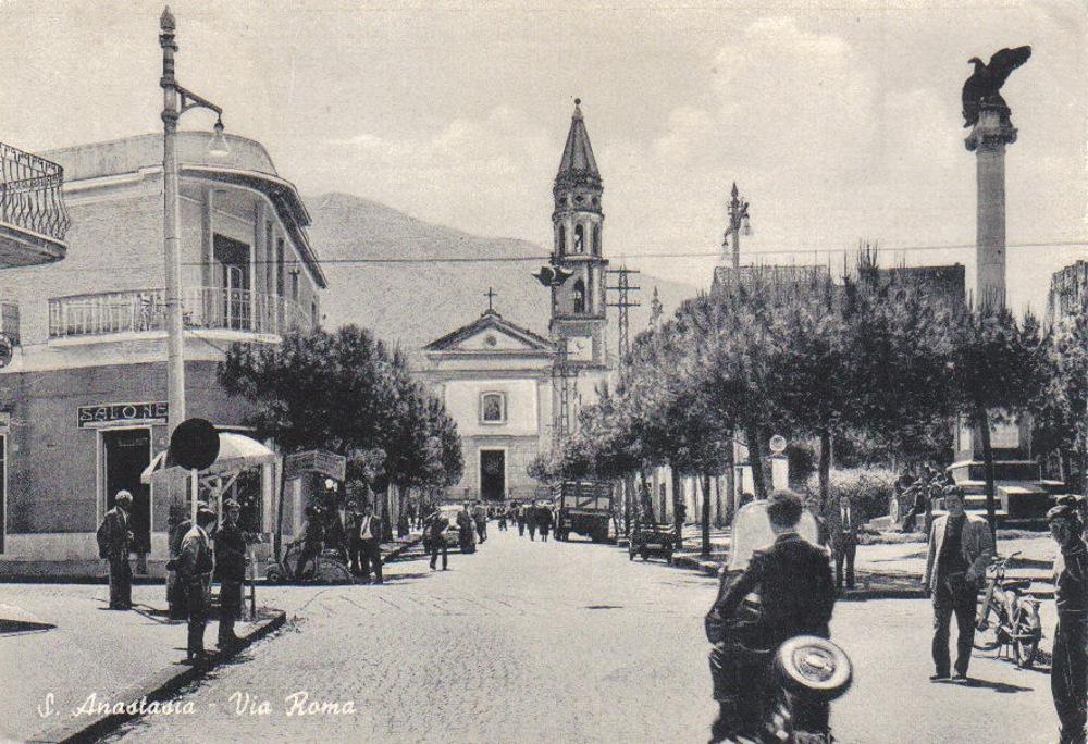S. Anastasia (Na), Via Roma
