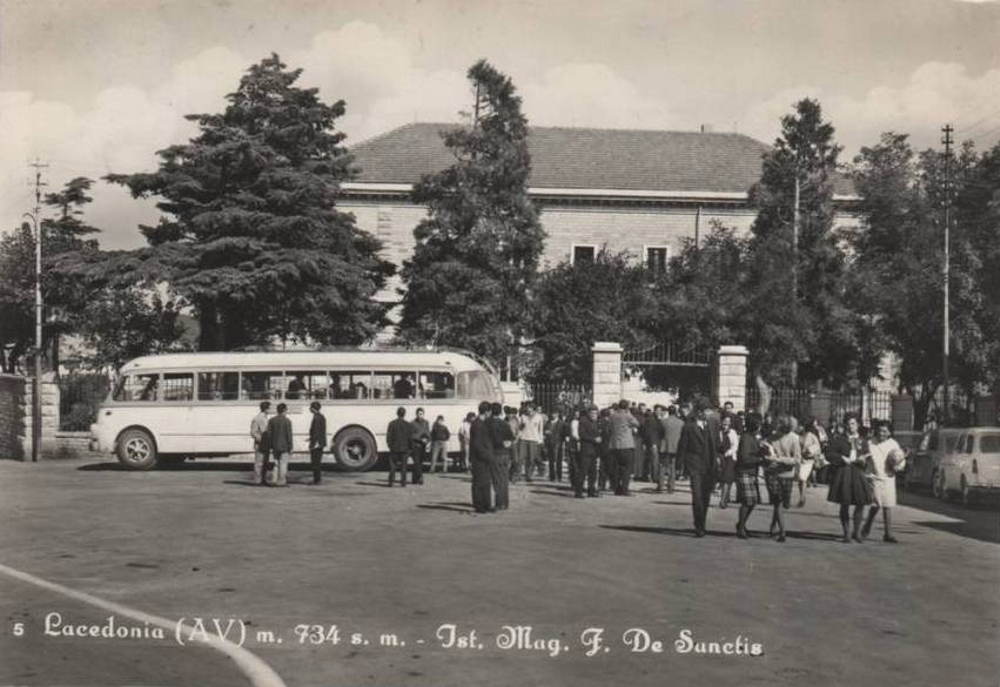 Lacedonia (Av), istituto magistrale De Sanctis