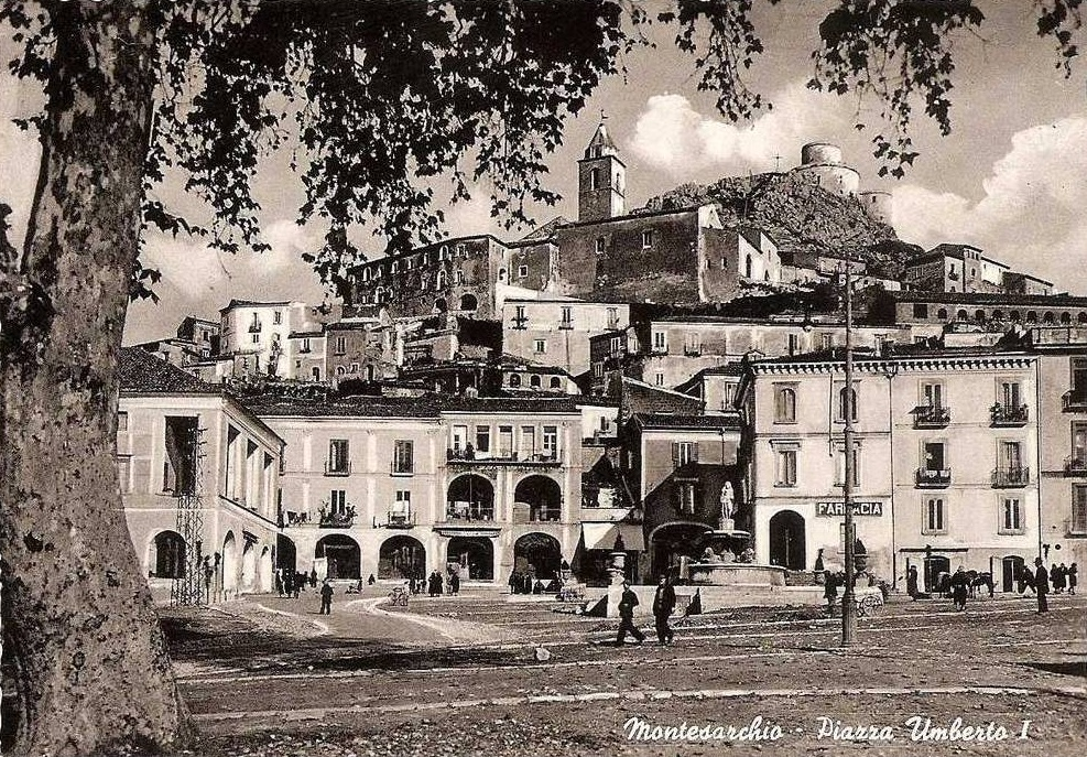 Montesarchio (Bn), corso Umberto I