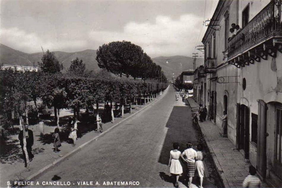 S. Felice a Cancello (Ce), viale Abatemarco