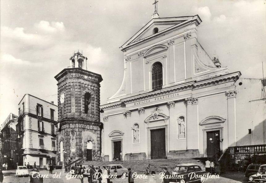 Torre del Greco, piazza S. Croce, basilica pontificia