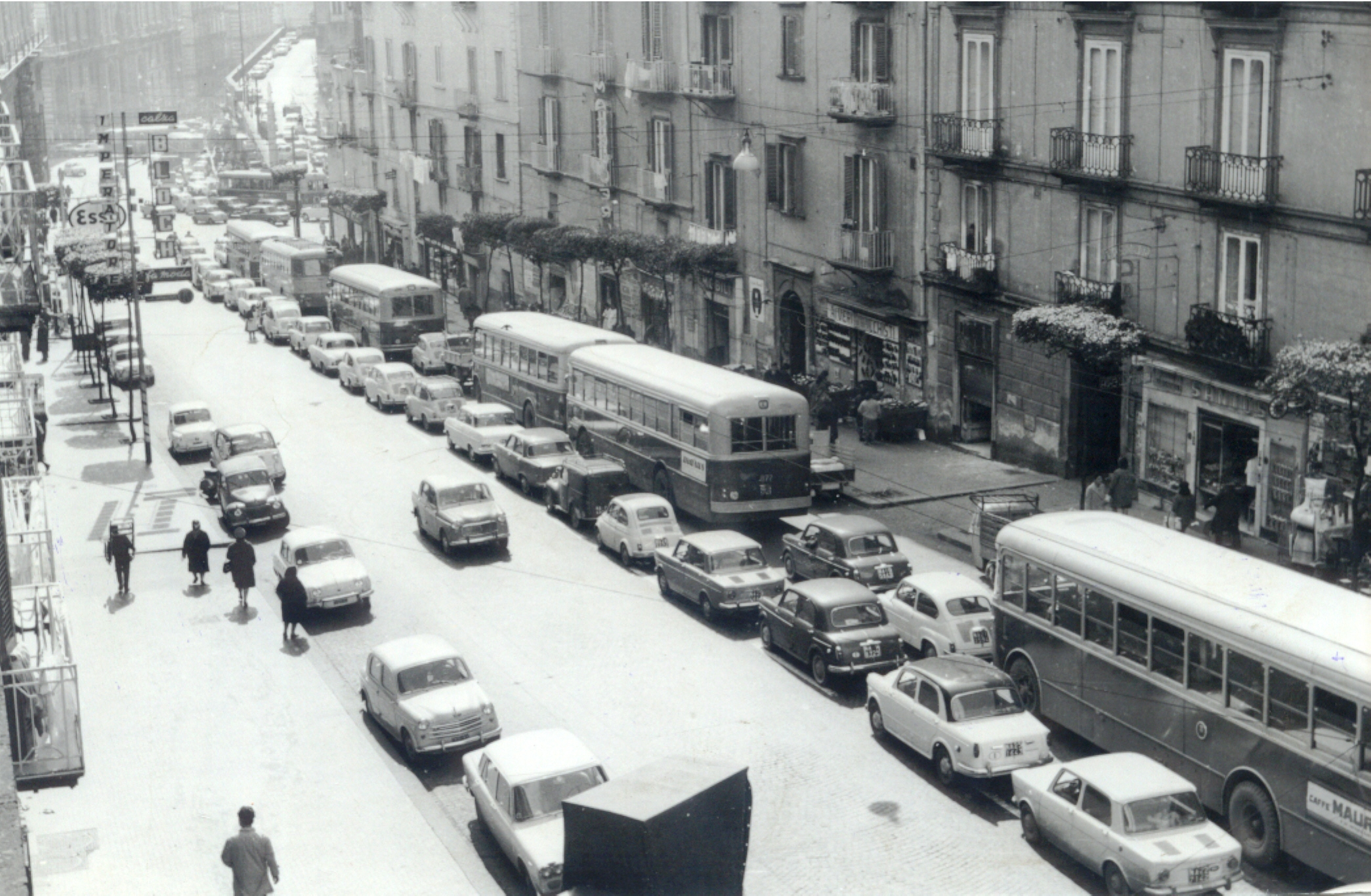 Napoli, Via S. Teresa