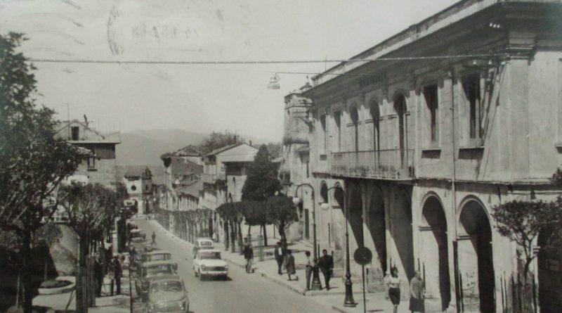 Solofra (Avellino), Via Roma e Fiat 500