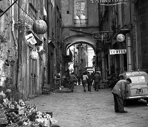 Napoli, via Ponte di Tappia
