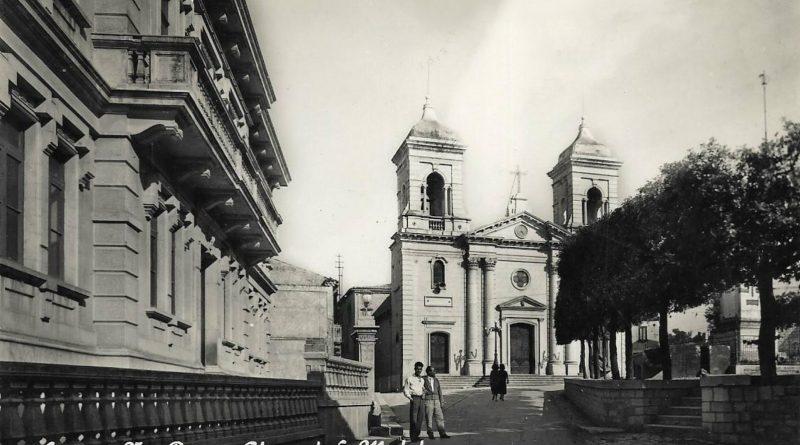 Sturno (Av), via Roma e chiesa di S. Michele