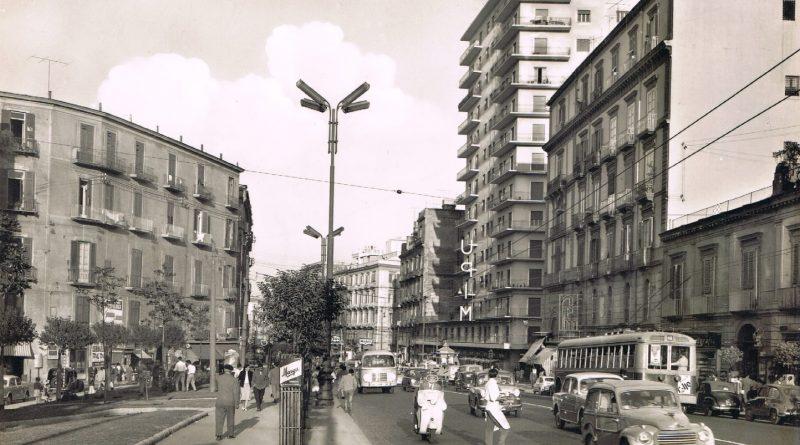 Napoli, via Foria e palazzo UPIM
